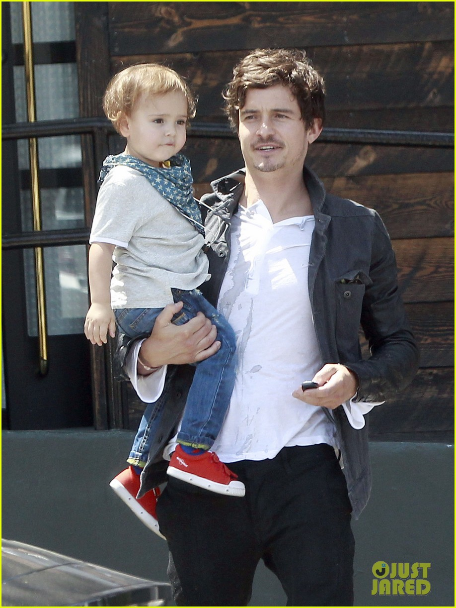 orlando bloom shirtless clothes fitting with flynn 022860270