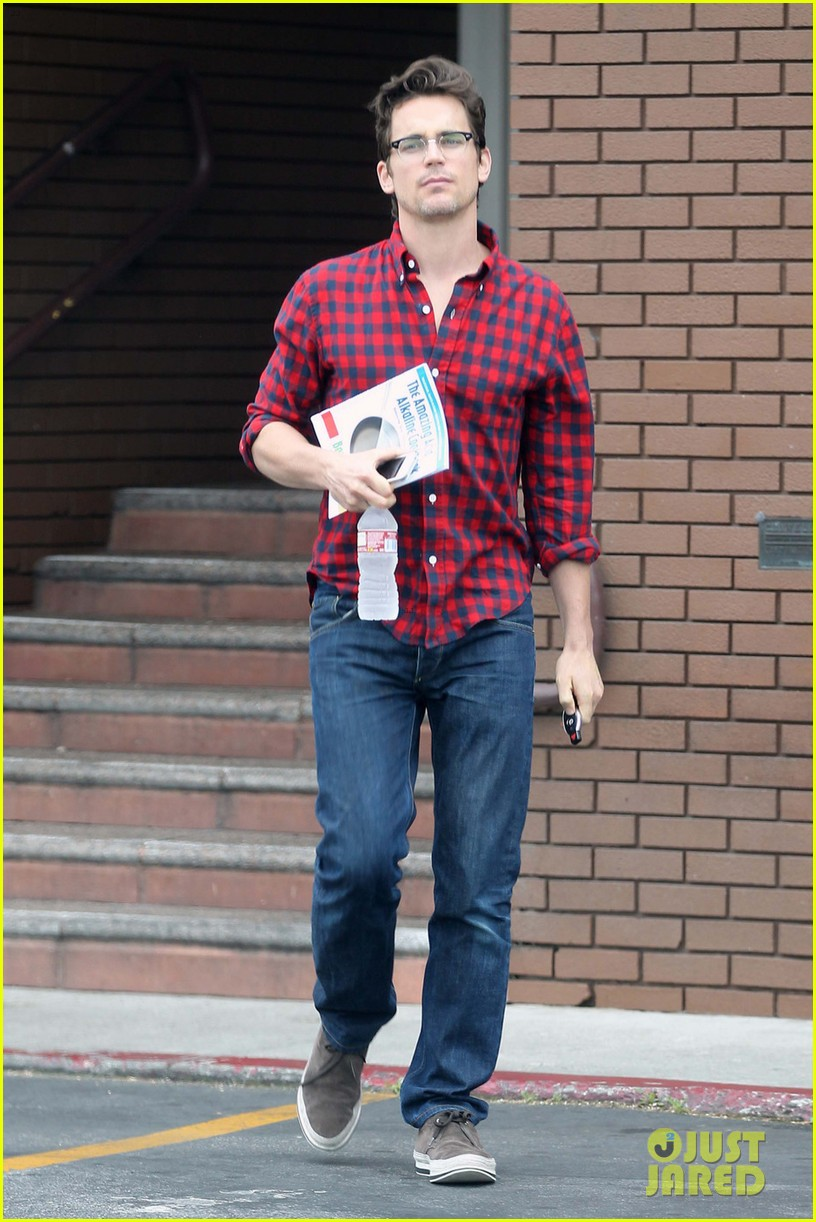 matt bomer cookbook reader at chipotle 02
