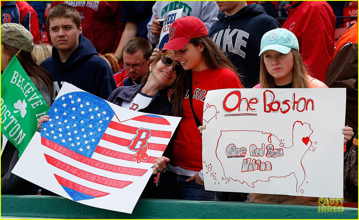 boston red sox pay tribute to bombing victims 082854203