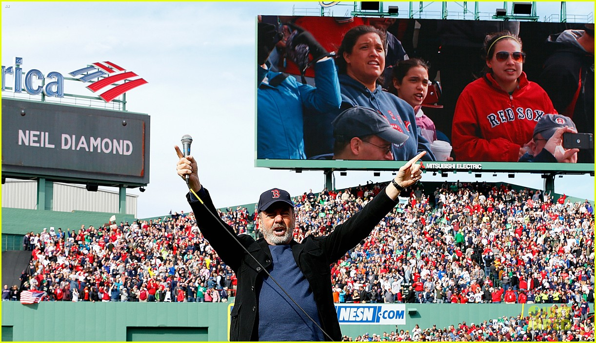 boston red sox pay tribute to bombing victims 132854208