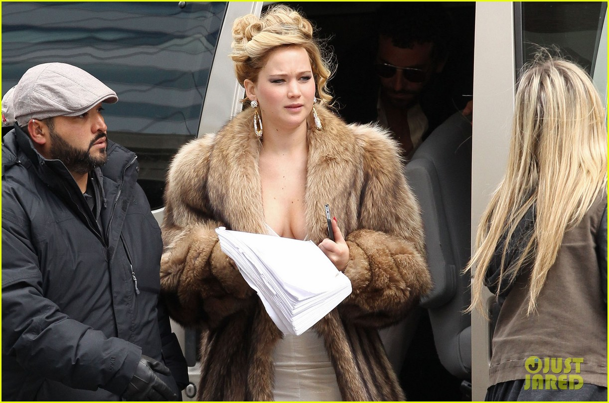 jennifer lawrence bradley cooper reunite for david o russell 012842105