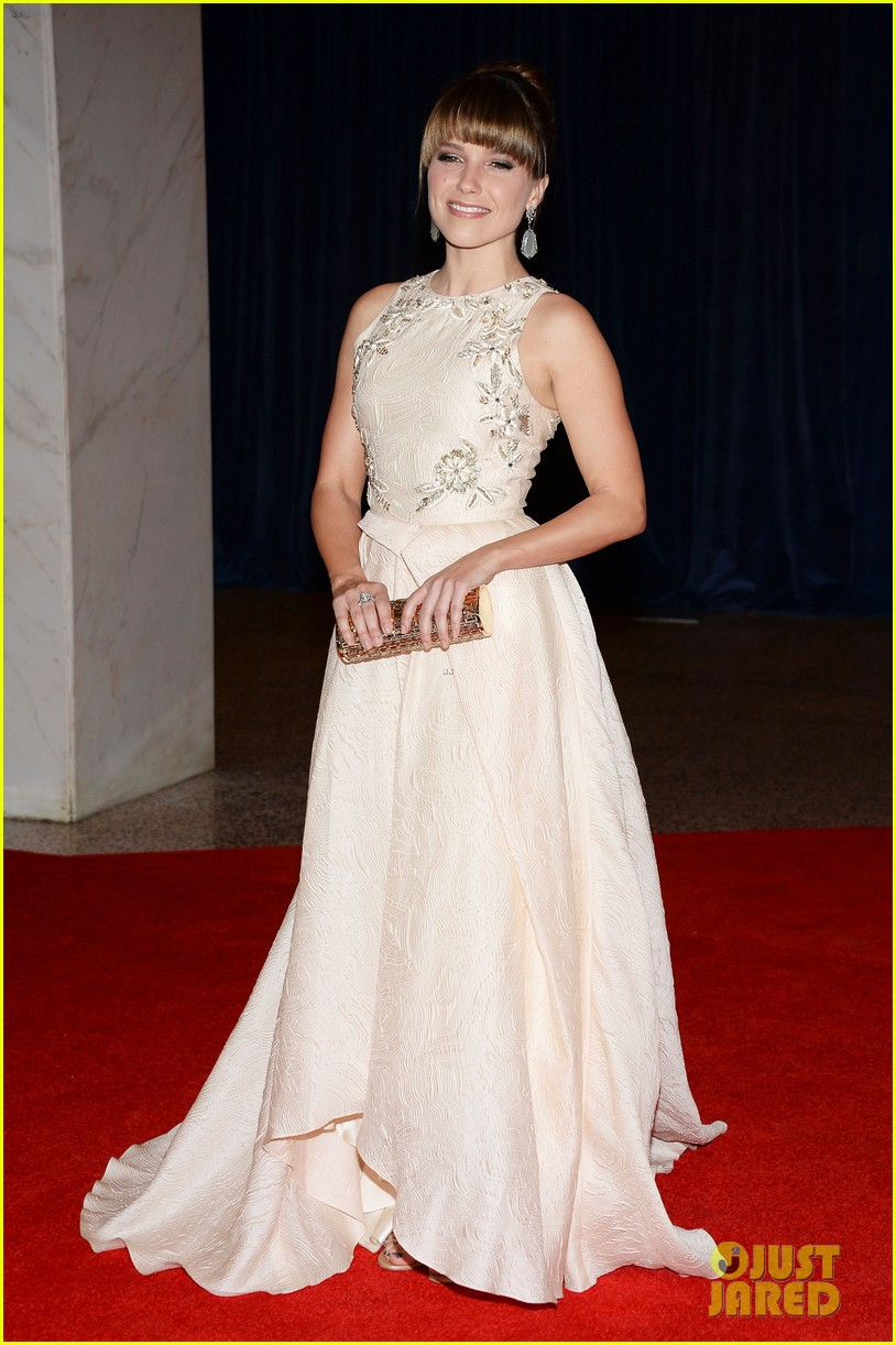 sophia bush white house correspondents dinner 2013 red carpet 012859506