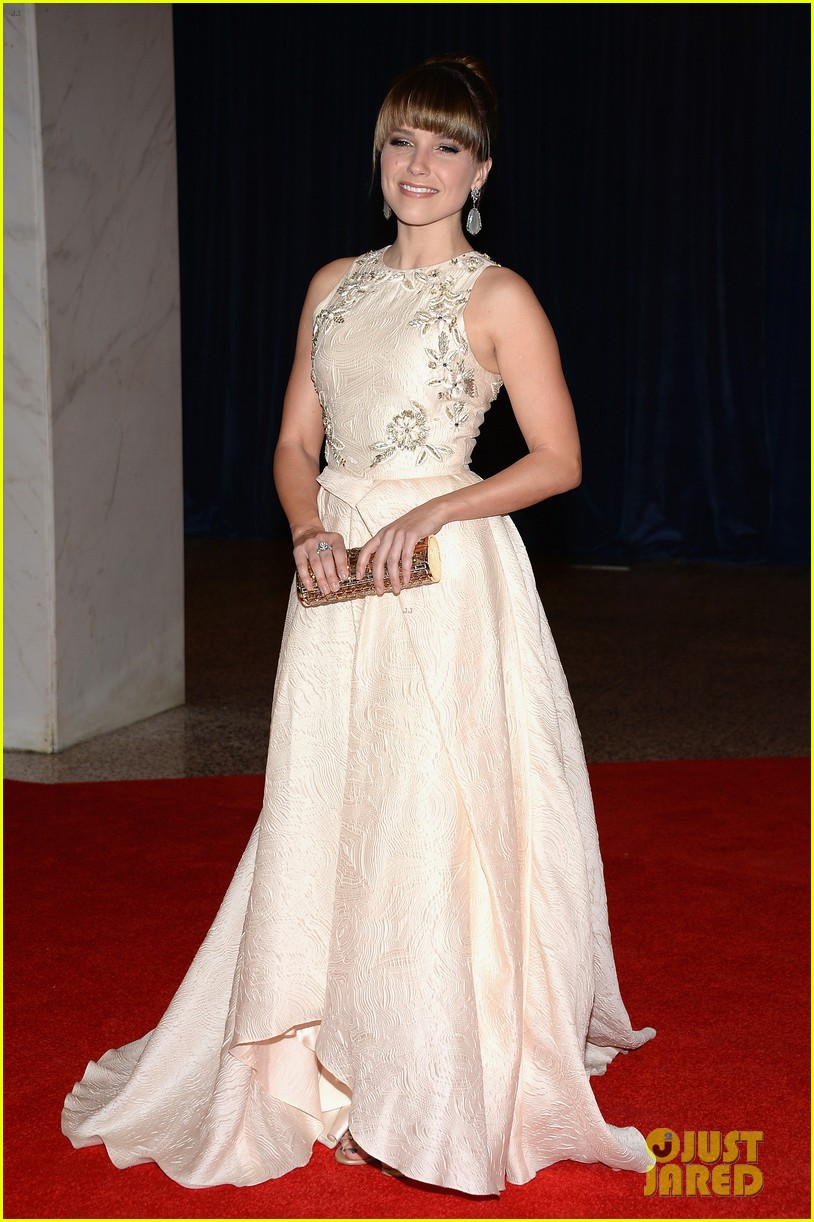 sophia bush white house correspondents dinner 2013 red carpet 032859508