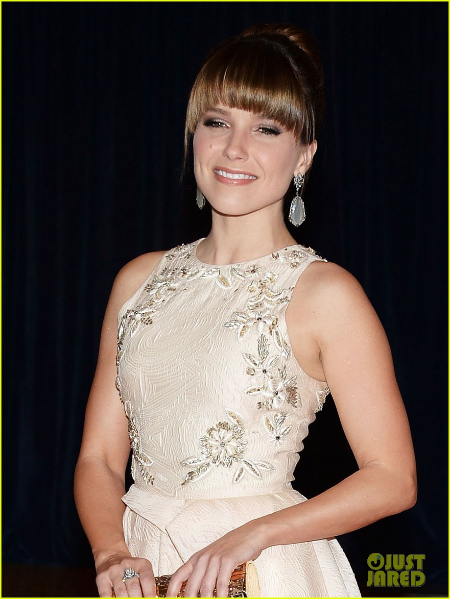 sophia bush white house correspondents dinner 2013 red carpet 042859509
