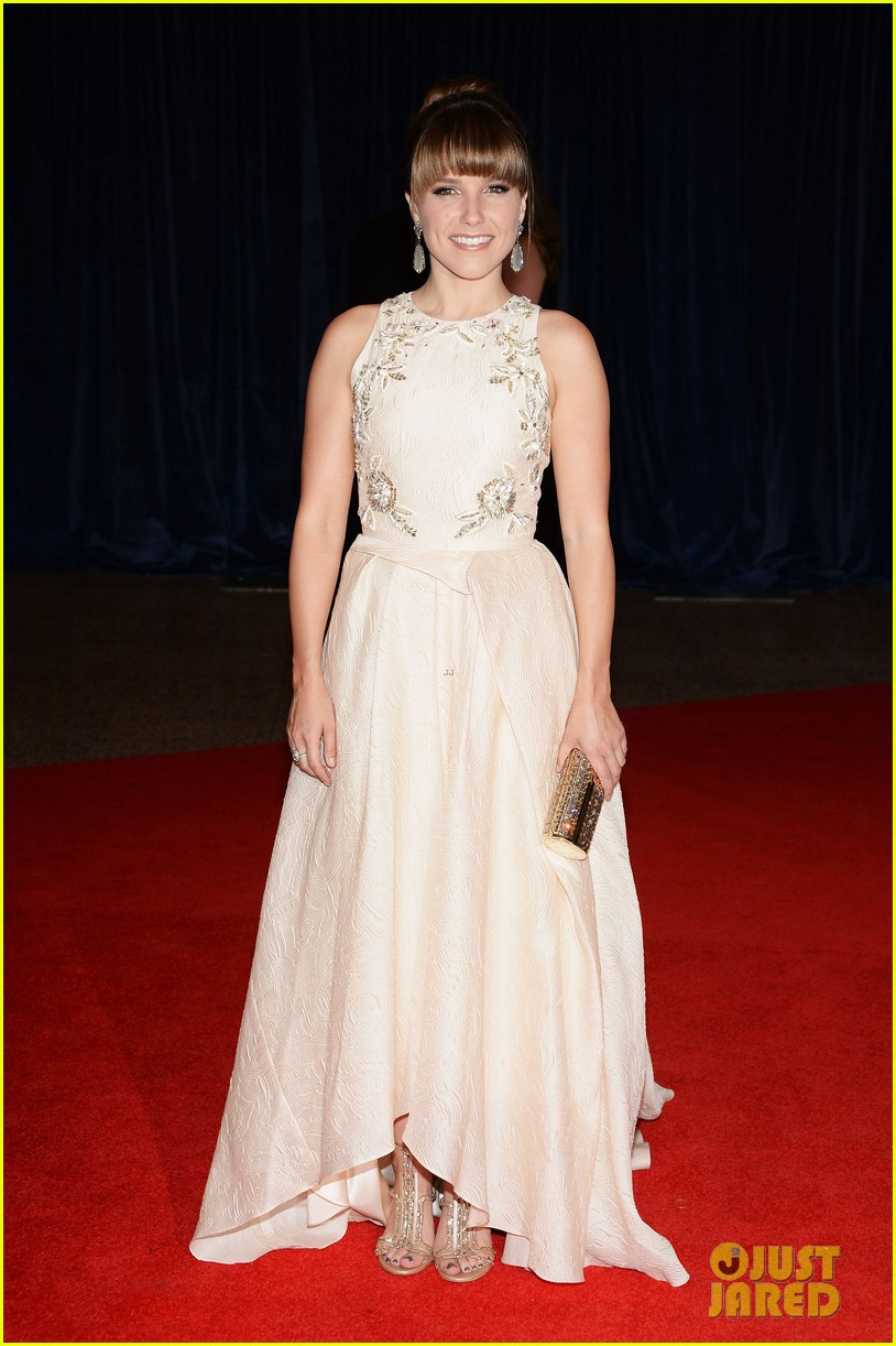 sophia bush white house correspondents dinner 2013 red carpet 052859510
