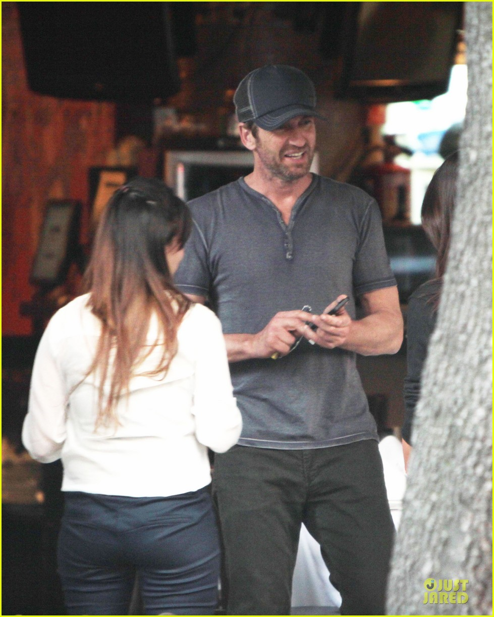 gerard butler bike riding in mexico 022851548
