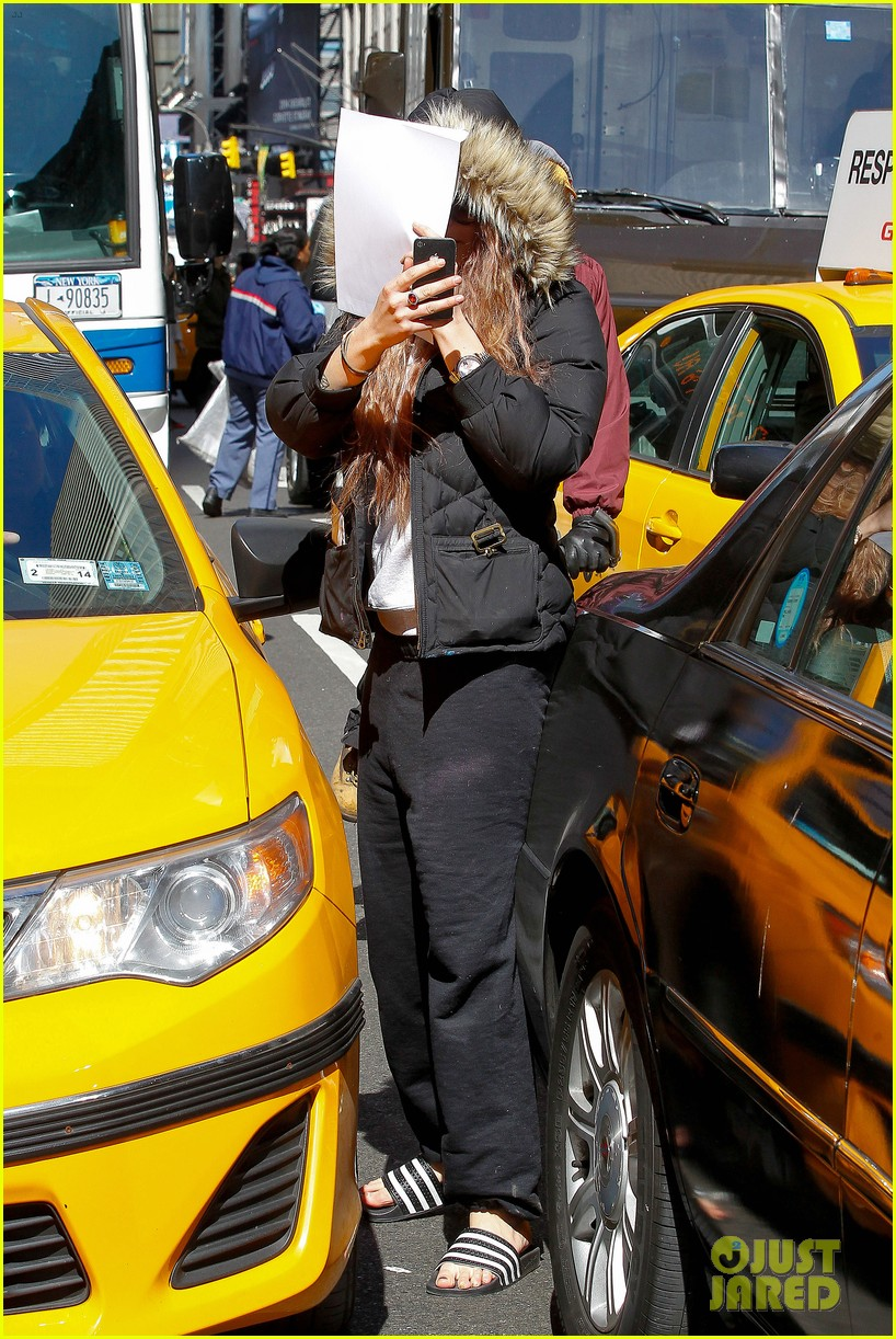 amanda bynes birthday smiles in new york city 082842800
