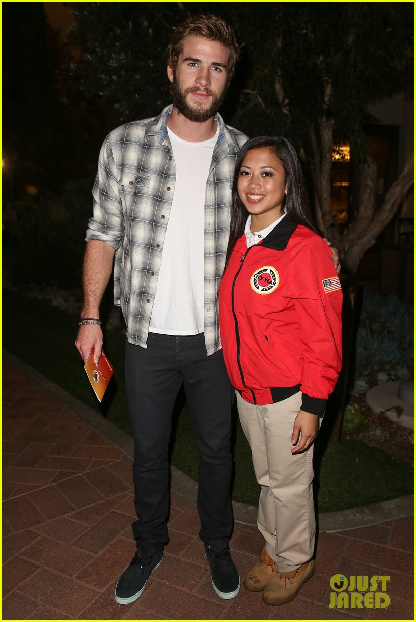 chris liam hemsworth city year los angeles fundraiser 2013 012854647