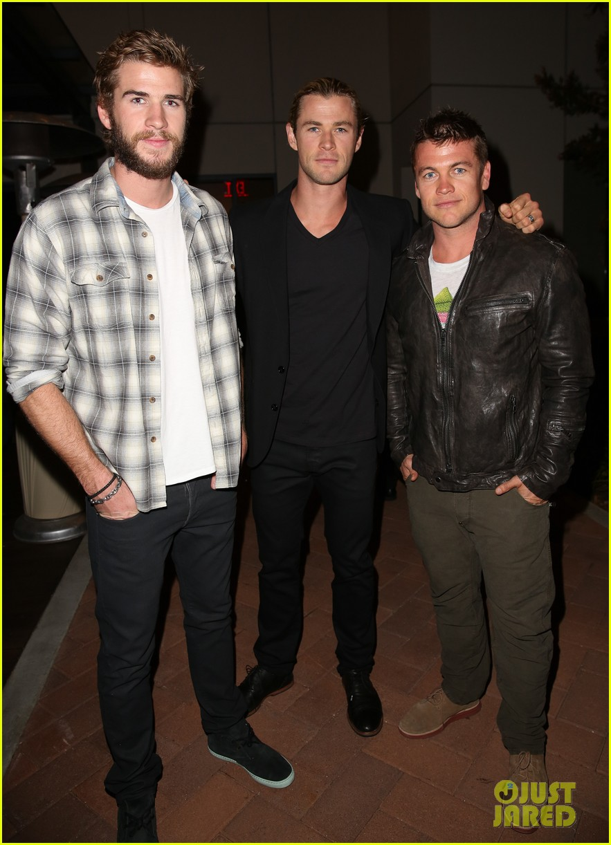 chris liam hemsworth city year los angeles fundraiser 2013 052854651