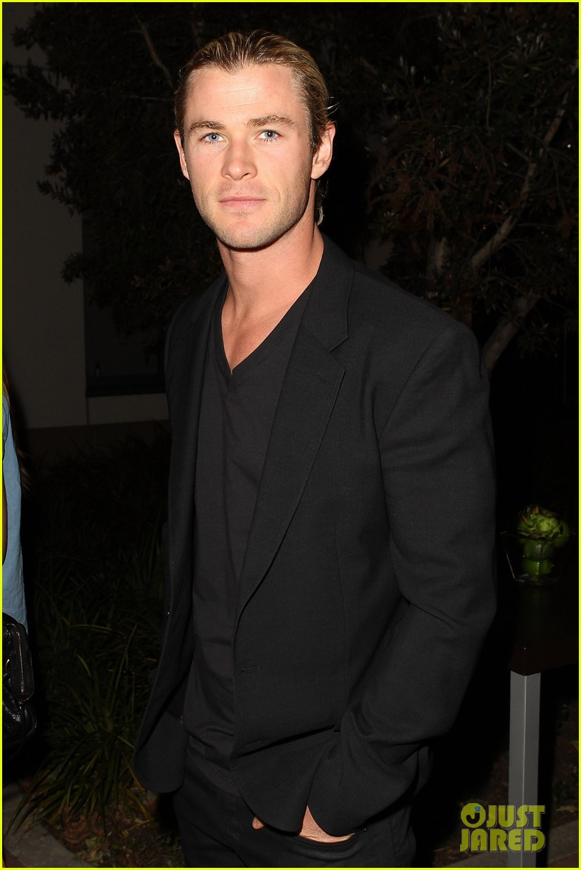 chris liam hemsworth city year los angeles fundraiser 2013 07