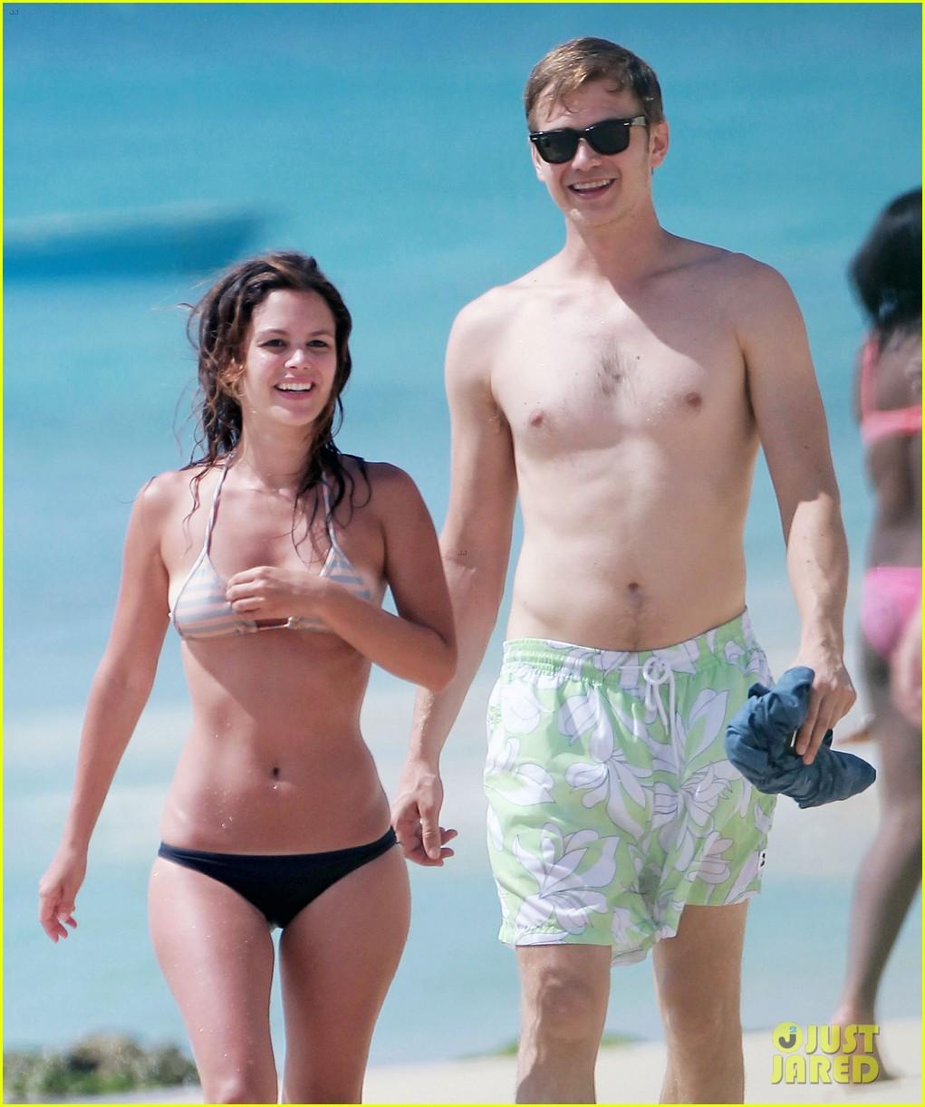 hayden christensen shirtless beach time with rachel bilson 022851523
