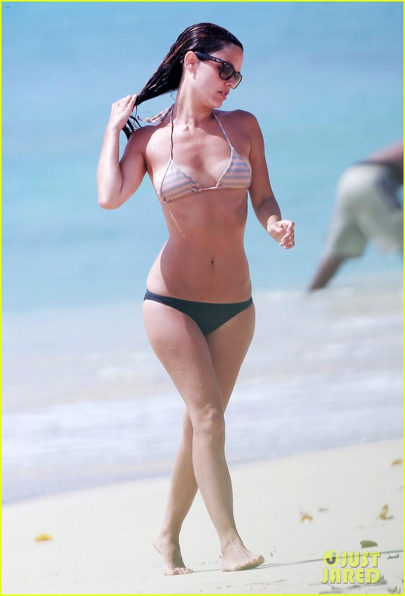 hayden christensen shirtless beach time with rachel bilson 09