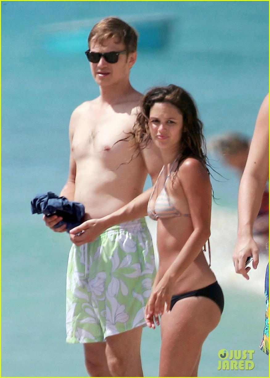 hayden christensen shirtless beach time with rachel bilson 122851533