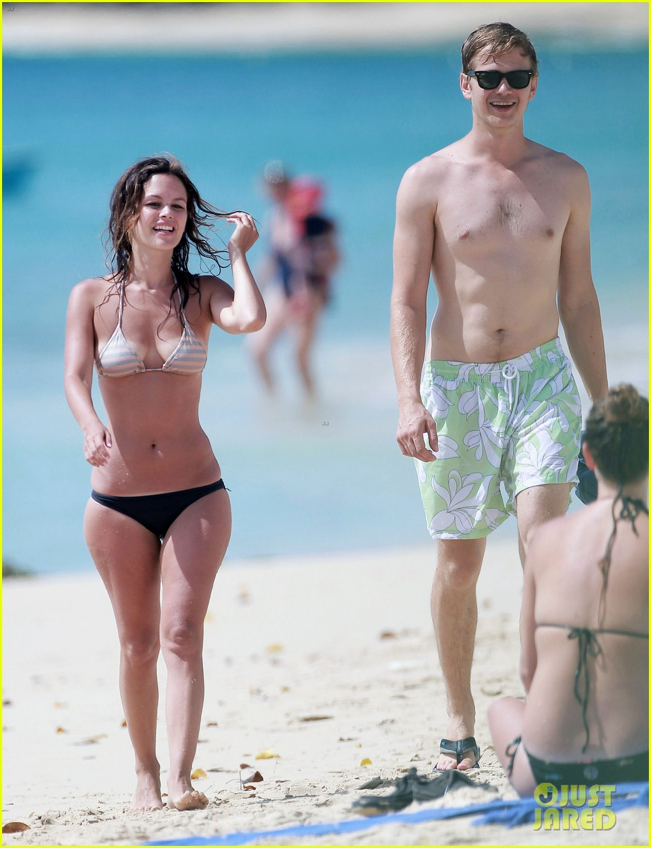 hayden christensen shirtless beach time with rachel bilson 142851535