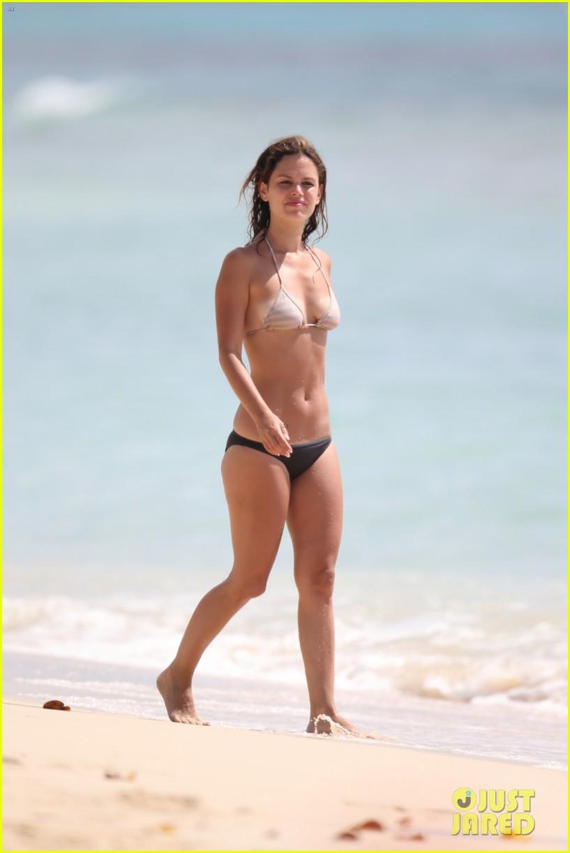 hayden christensen shirtless beach time with rachel bilson 202851541