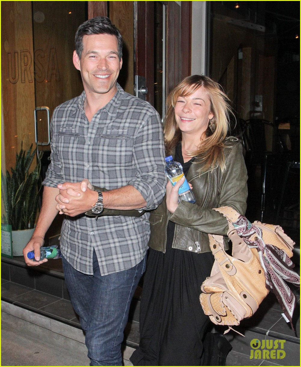 eddie cibrian leann rimes second wedding anniversary celebration 042856412