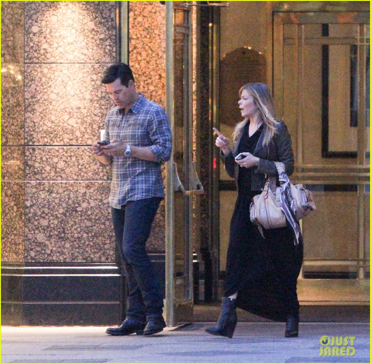 eddie cibrian leann rimes second wedding anniversary celebration 09