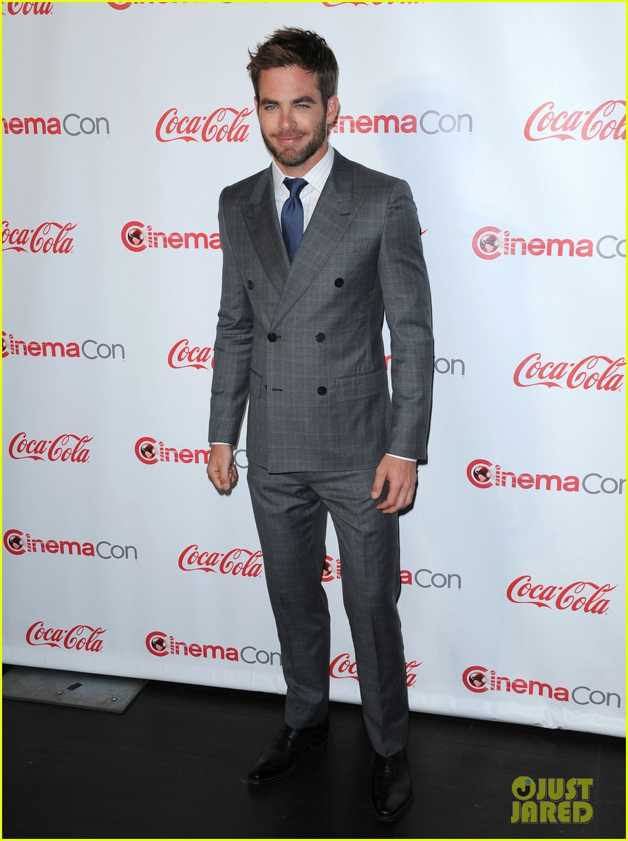 chris pine joseph gordon levitt cinemacon awards 02