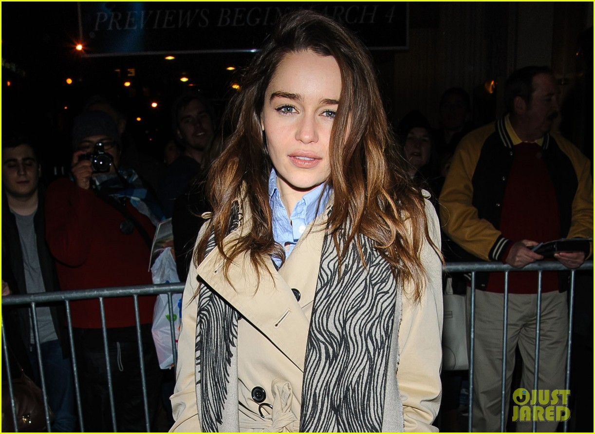 emilia clarke i feel like an idiot acting with cgi dragons 032842572
