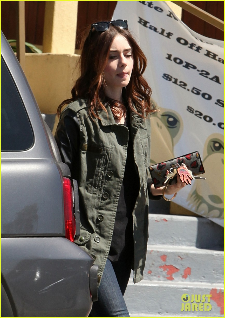 lily collins i auditioned for kristen stewarts role in twilight 022853411