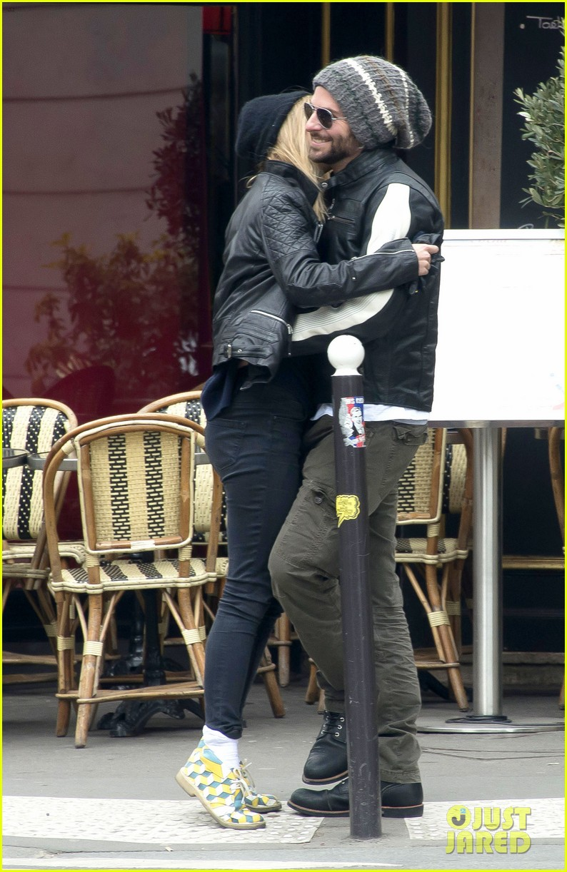 bradley cooper suki waterhouse kiss hold hands in paris 042847178