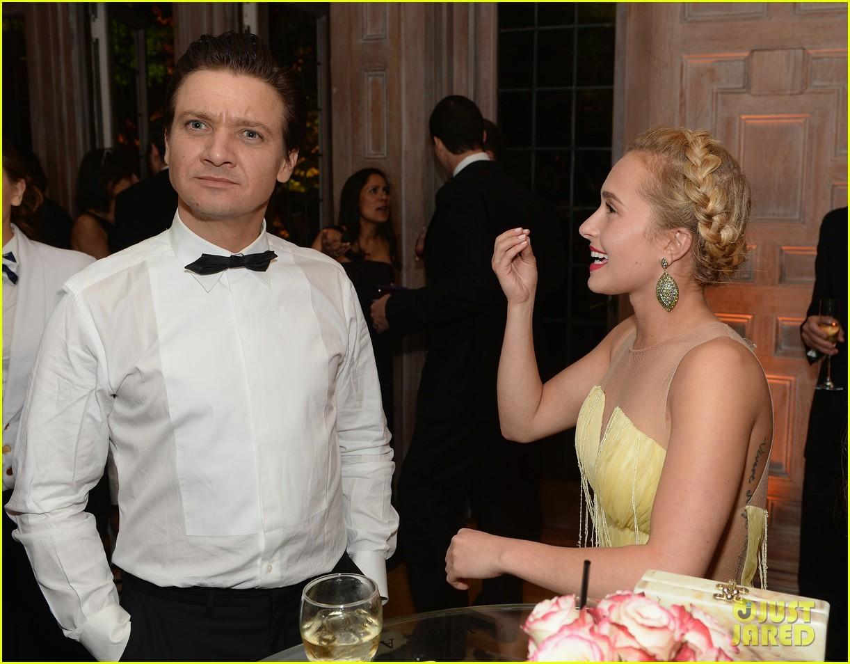bradley cooper jeremy renner white house correspondents dinner 2013 032859788