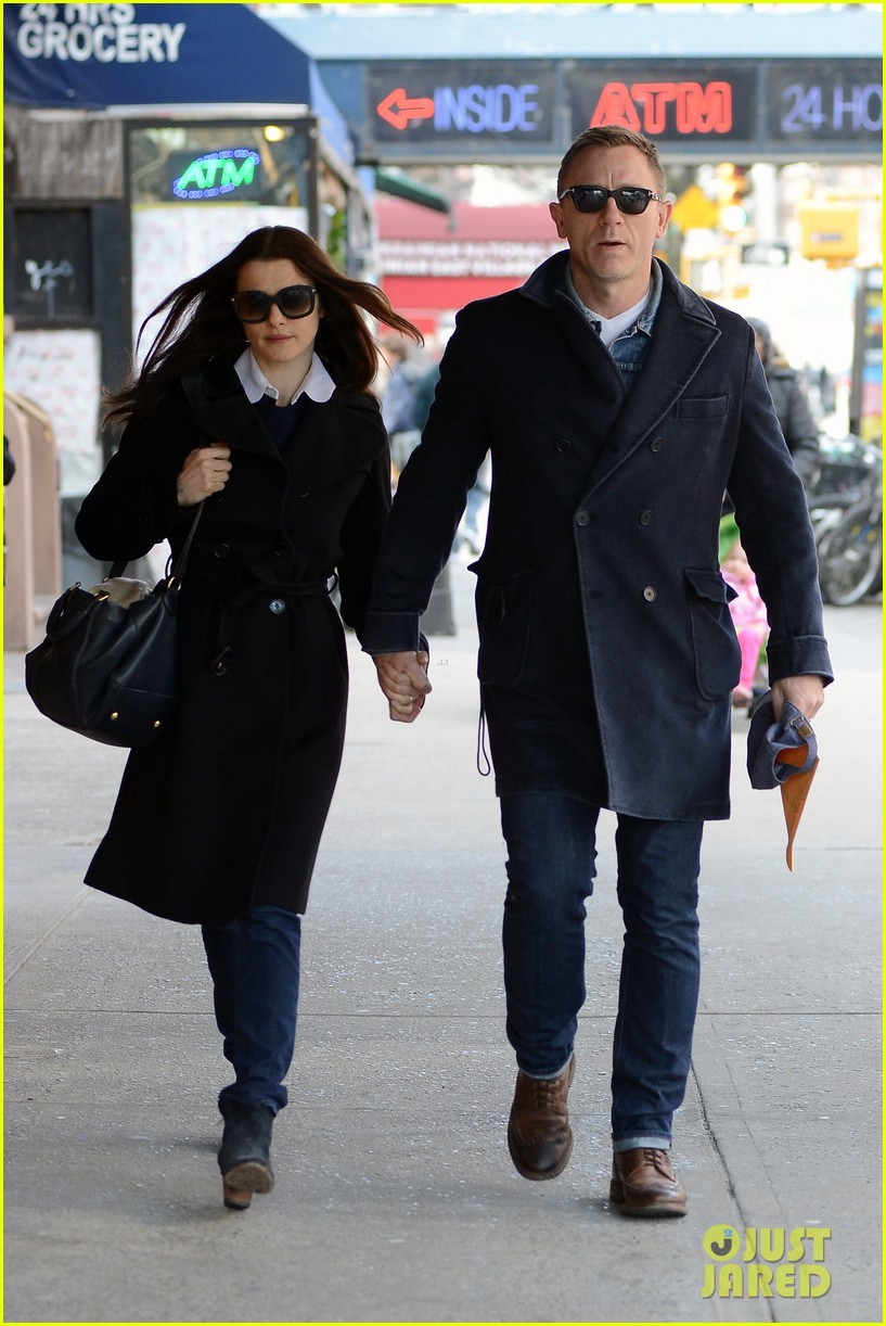 daniel craig rachel weisz hold hands after betrayal news 122843766
