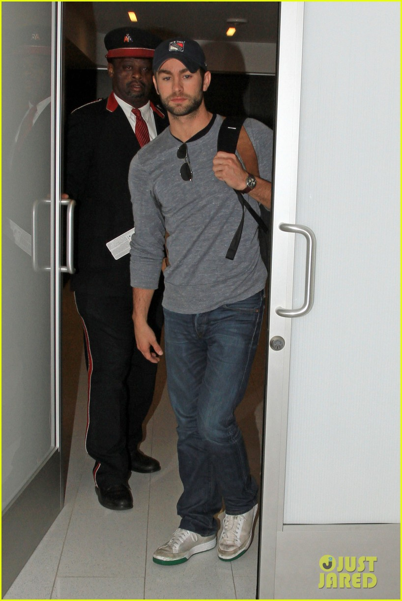 chace crawford los angeles arrival 01