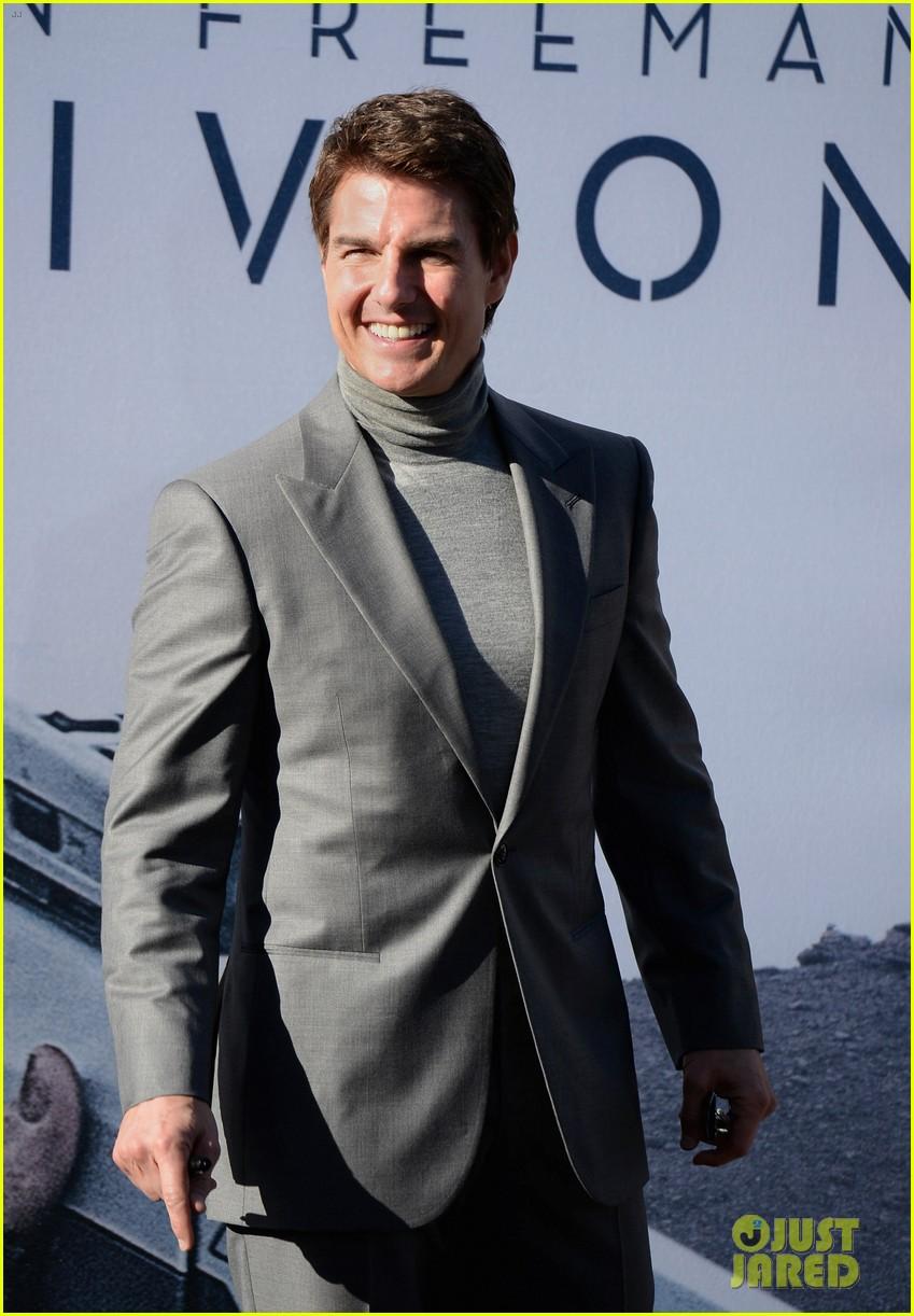 tom cruise olga kurylenko oblivion hollywood premiere 102847256