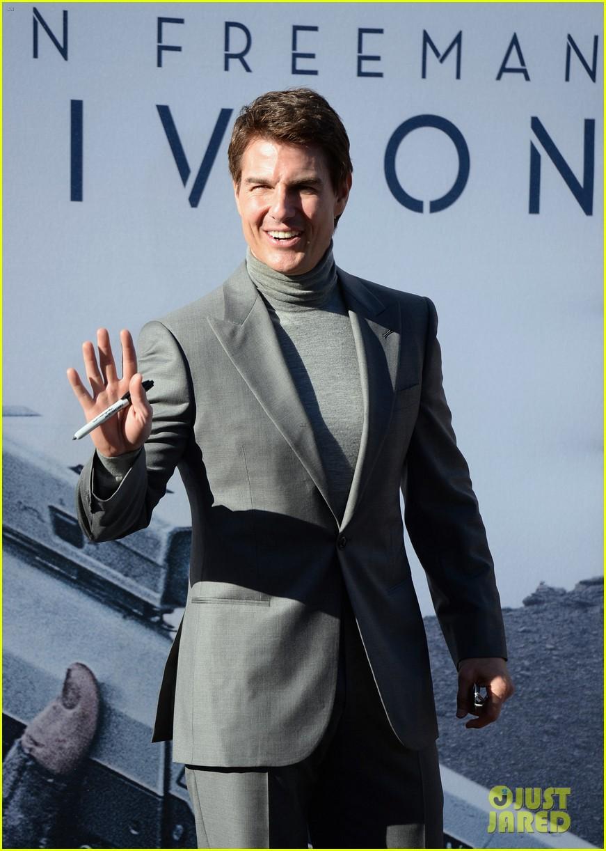 tom cruise olga kurylenko oblivion hollywood premiere 152847261