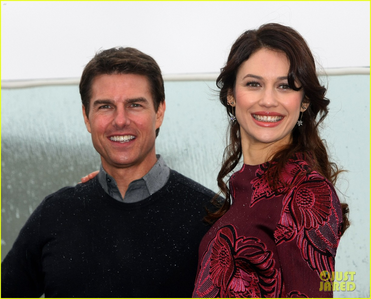 tom cruise olga kurylenko oblivion moscow photo call 082841460