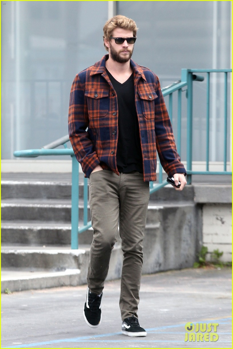 miley cyrus goes to photo shoot liam hemsworth grabs bite to eat 032849502