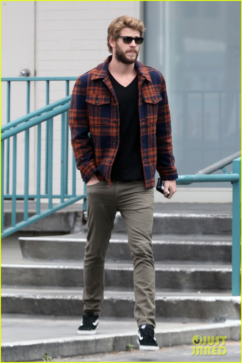 miley cyrus goes to photo shoot liam hemsworth grabs bite to eat 062849505