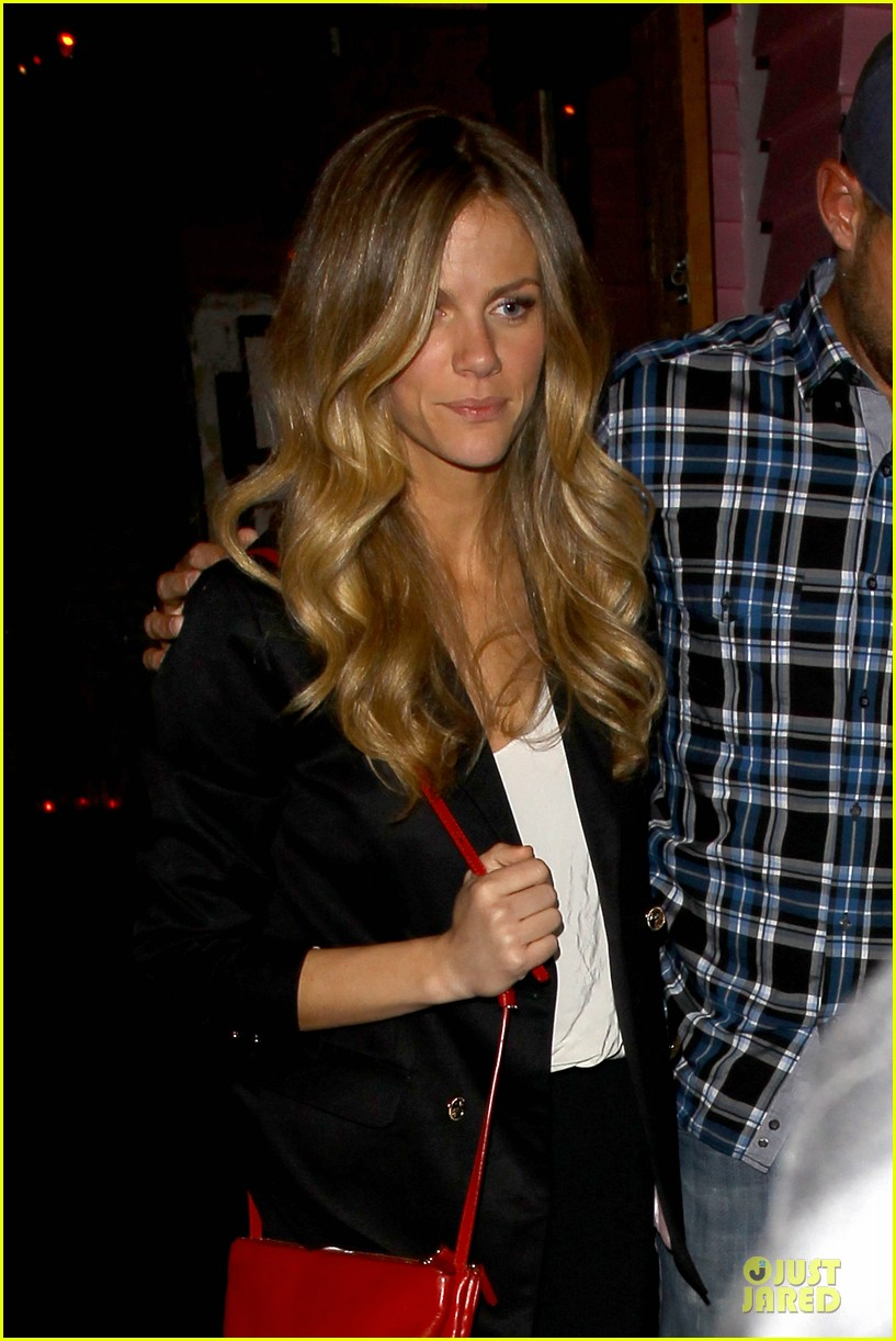 brooklyn decker andy roddick friends with better lives dinner 02