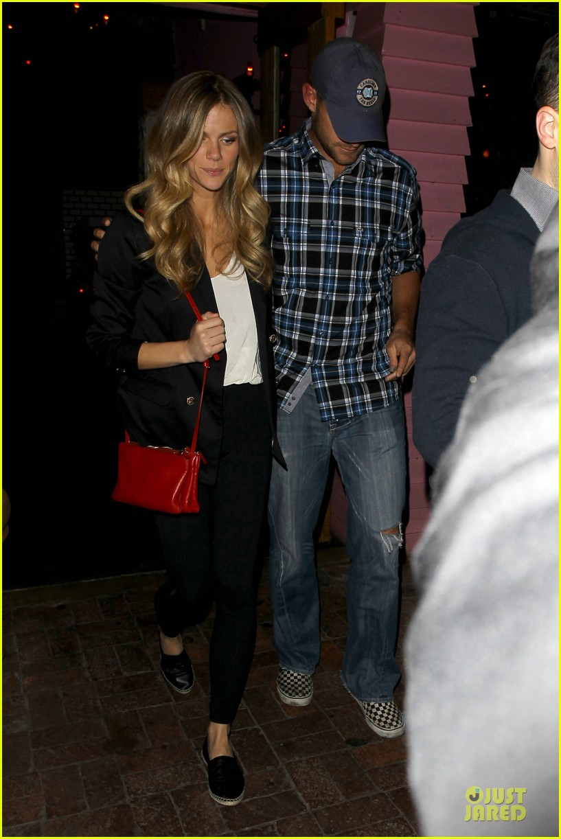 brooklyn decker andy roddick friends with better lives dinner 082844264