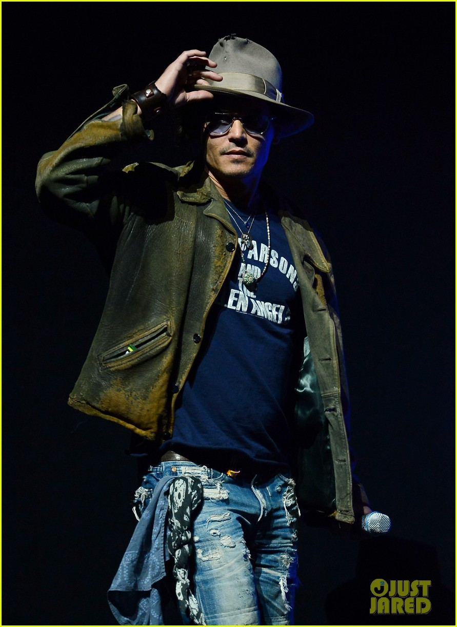 johnny depp armie hammer lone ranger at cinemacon 04