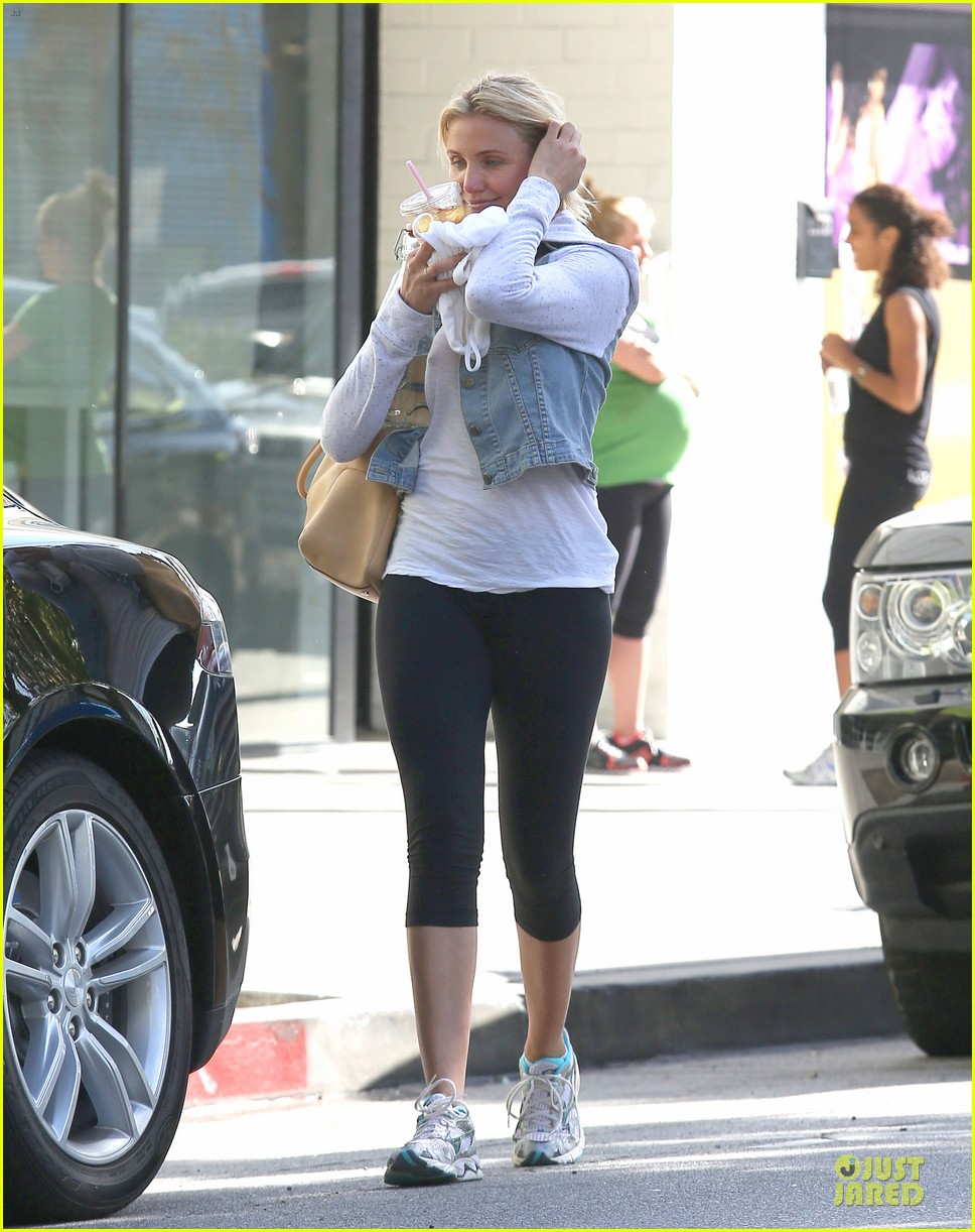 cameron diaz refreshing gym workout 12