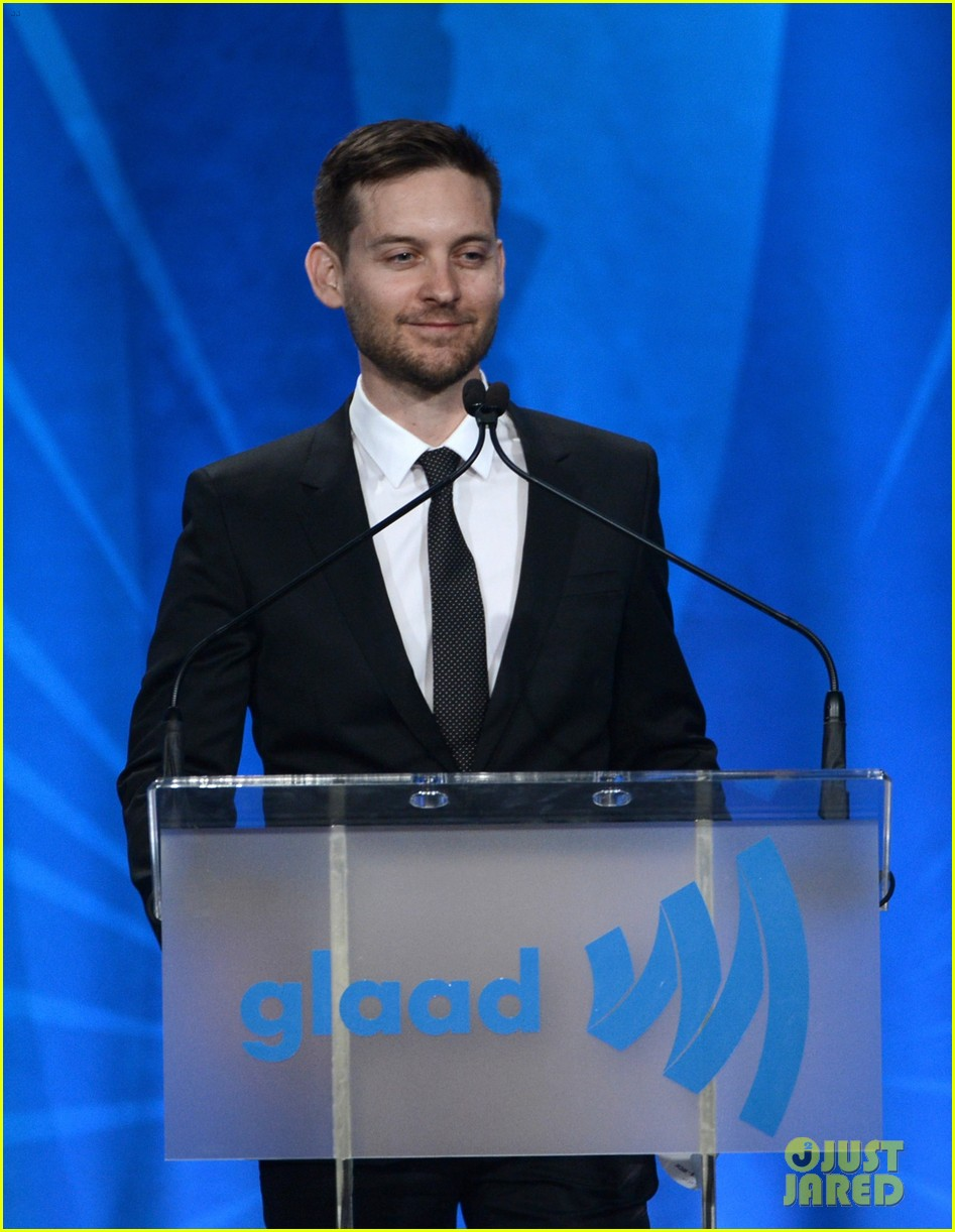leonardo dicaprio tobey maguire glaad media awards 2013 112854507
