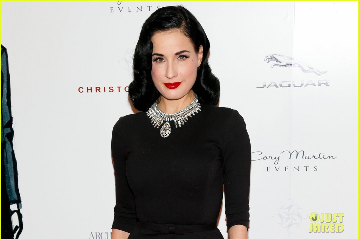 dita von teese britweek awards presentation 042859897