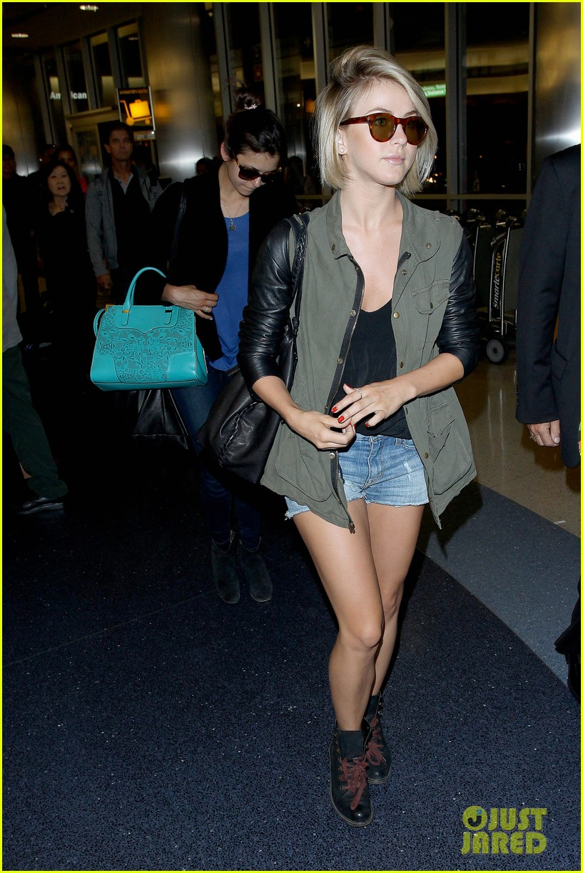 nina dobrev julianne hough fly home after girls weekend 032860755
