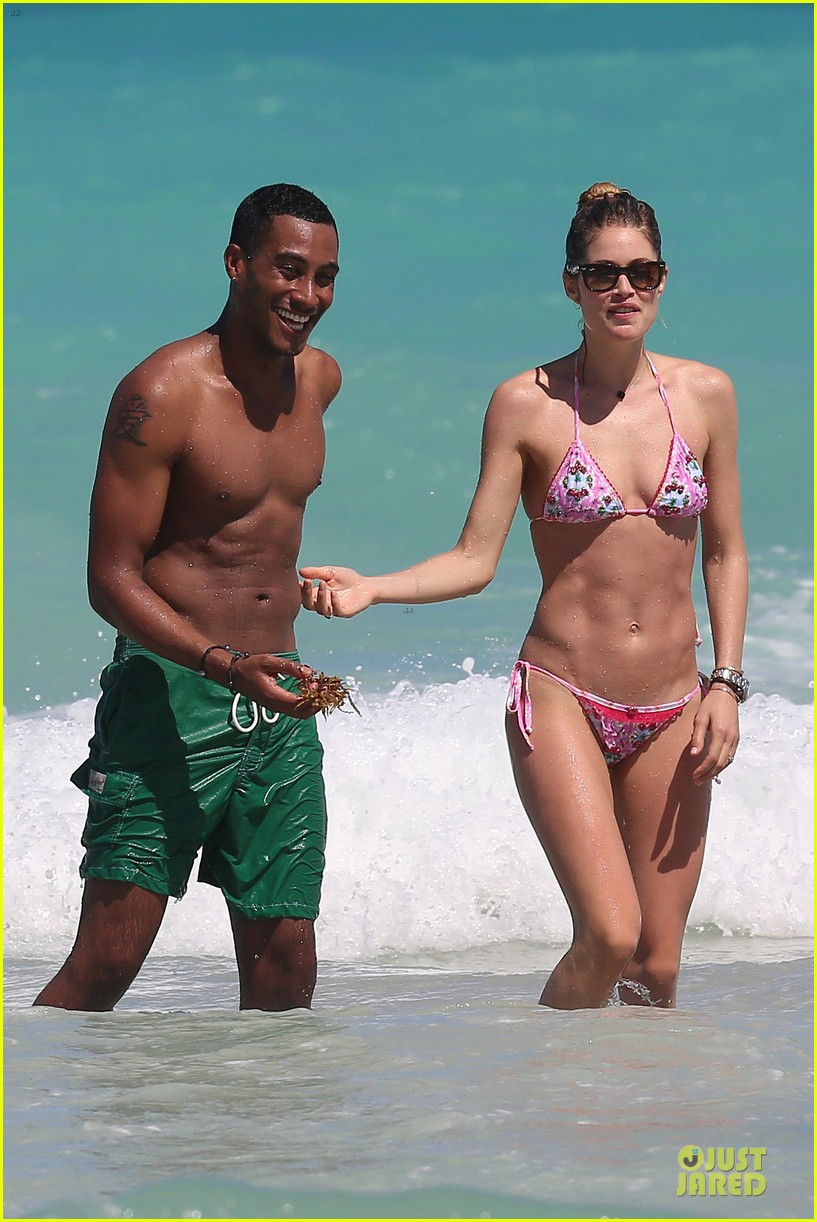 doutzen kroes bikini photo shoot with sunnery james 052860936