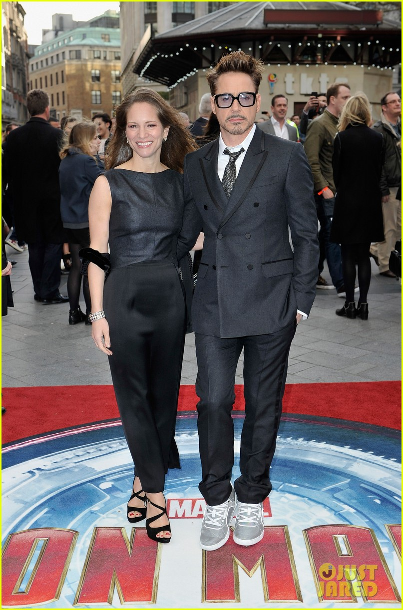 robert downey jr samantha barks iron man 3 london premiere 012852753