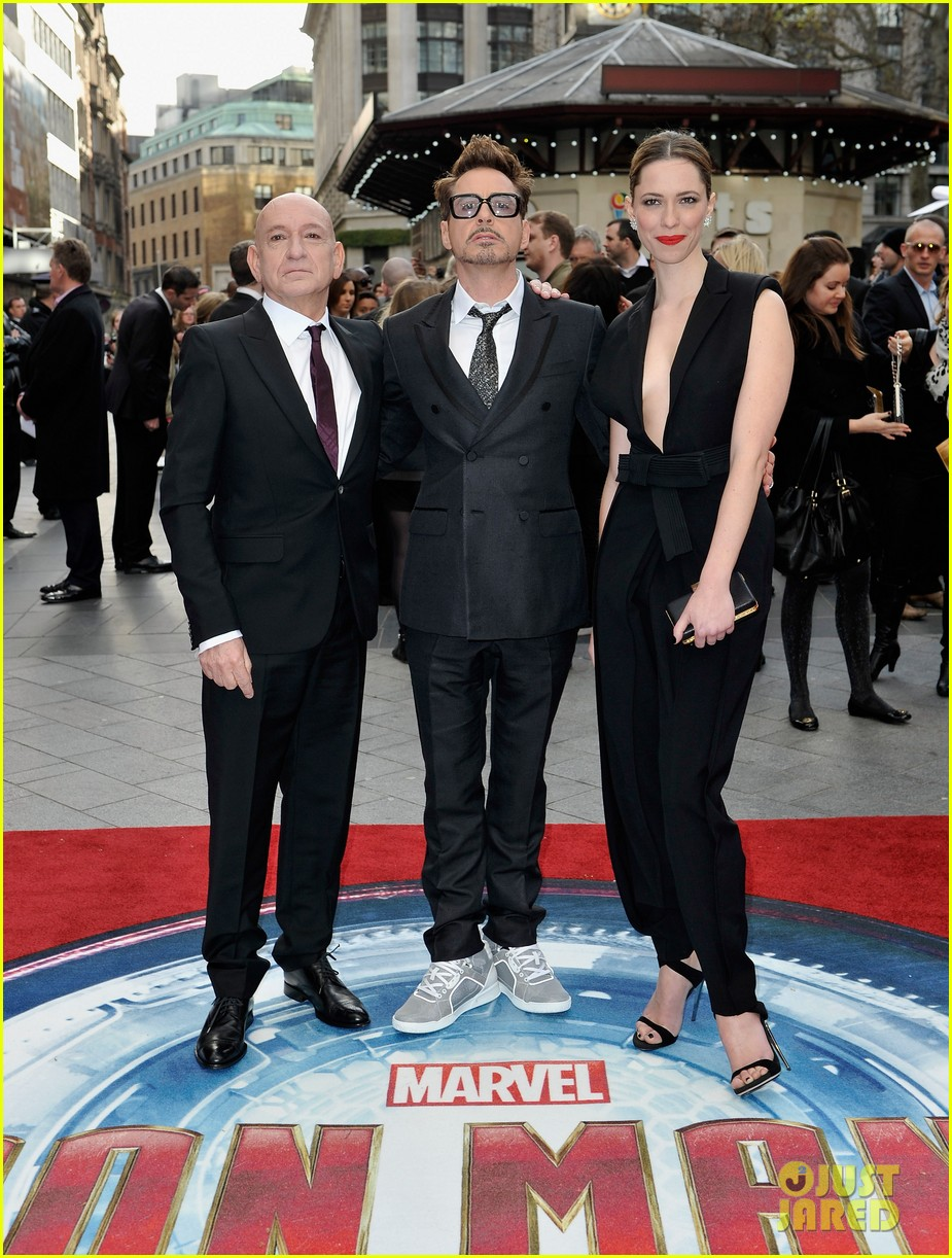 robert downey jr samantha barks iron man 3 london premiere 09