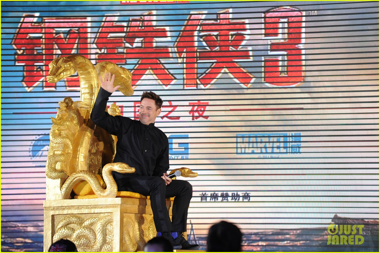 robert downey jr iron man 3 beijing premiere 022845550