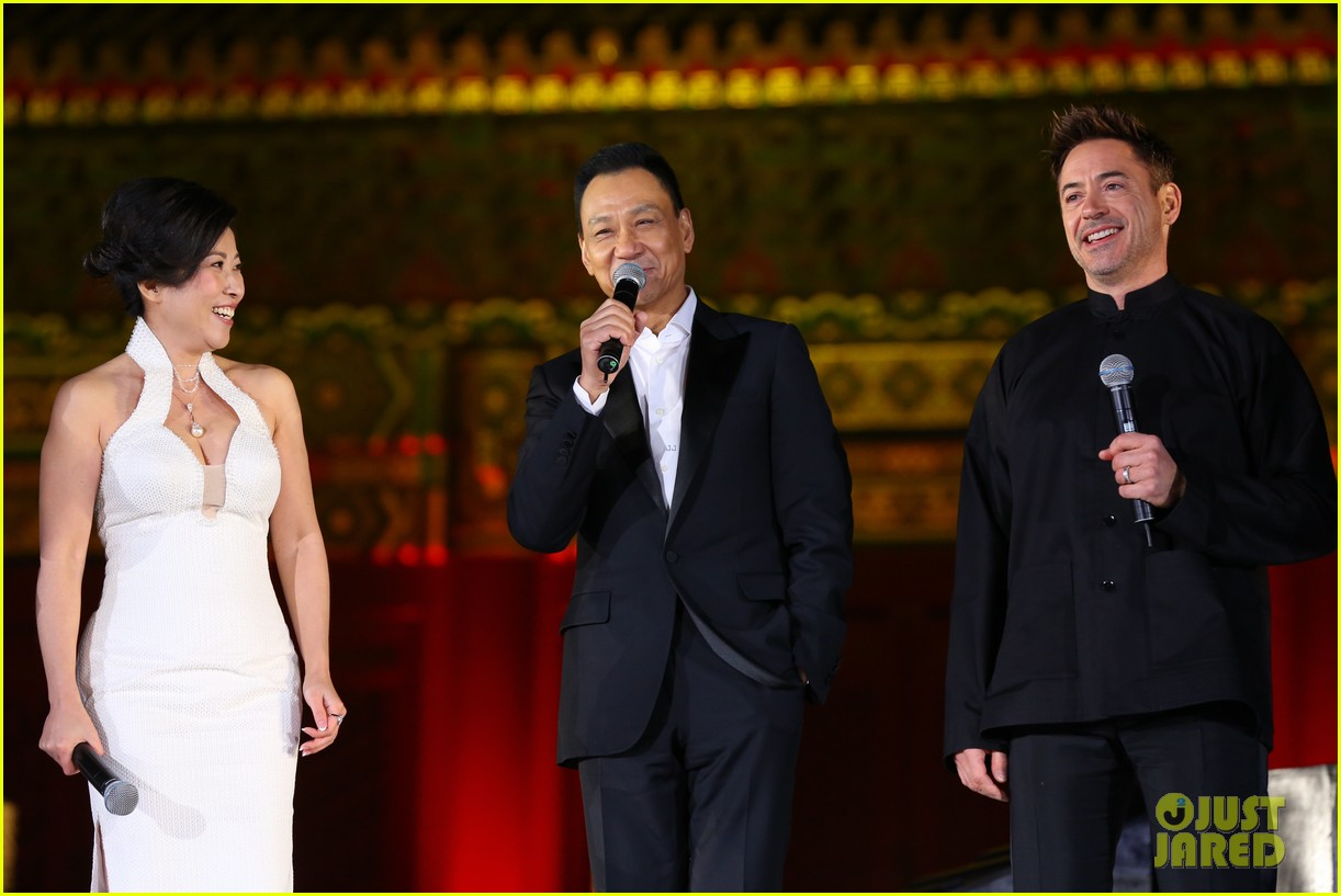 robert downey jr iron man 3 beijing premiere 102845558