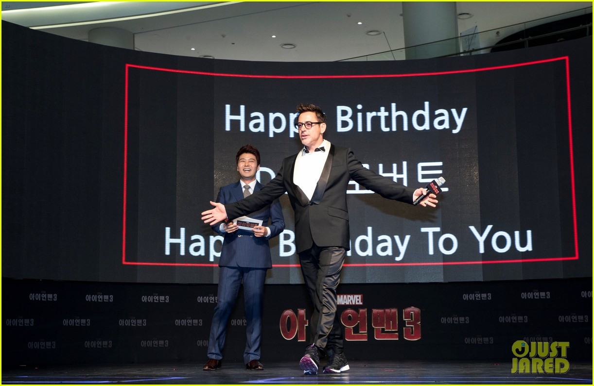 robert downey jr iron man 3 seoul premiere photo call 052843406