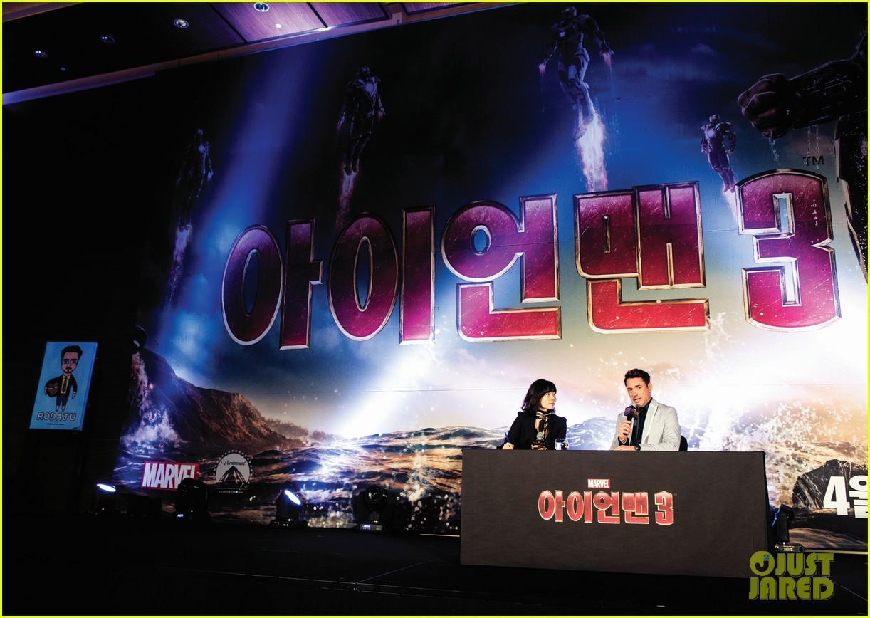 robert downey jr iron man 3 seoul premiere photo call 072843408
