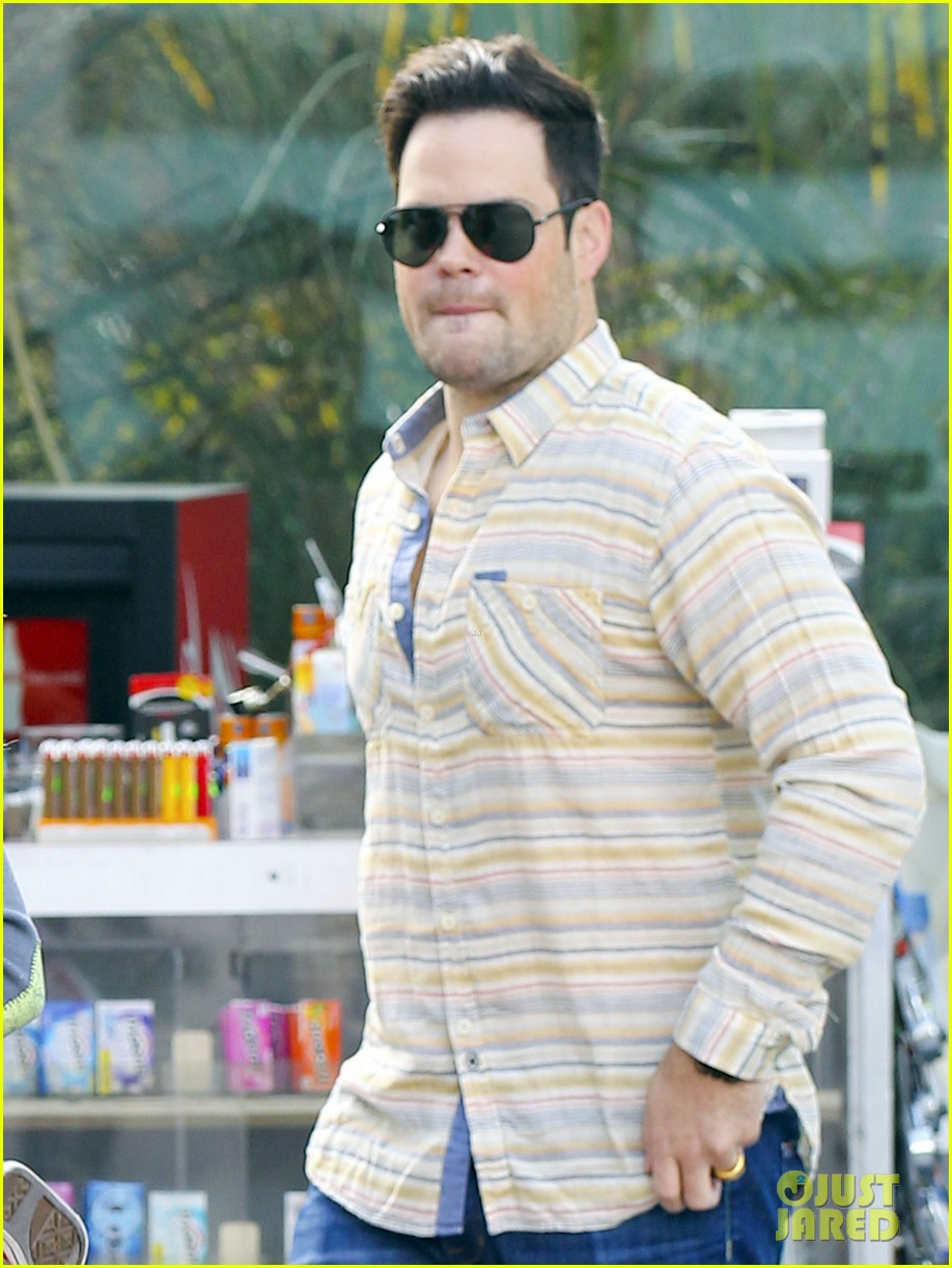 hilary duff mike comrie family breakfast with luca 022844731