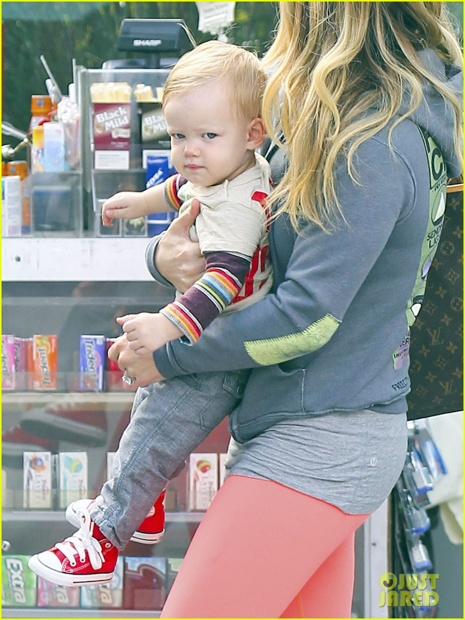 hilary duff mike comrie family breakfast with luca 062844735