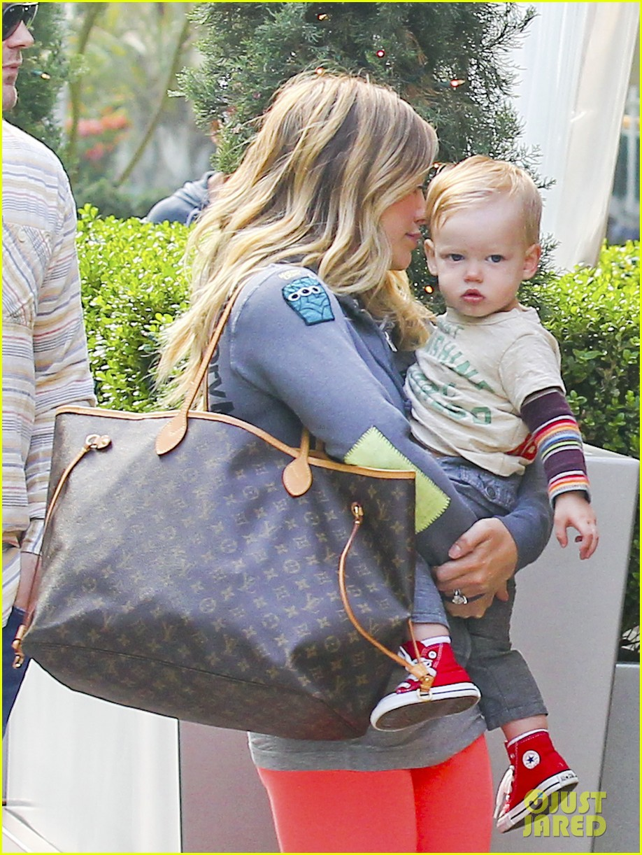 hilary duff mike comrie family breakfast with luca 132844742